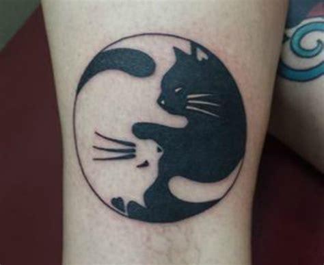 imagenes tatuajes yin yang 34 tatuajes originales de gatos para los que adoran a los