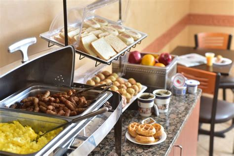 Holiday Inn Express Wi Dells Wisconsin Dells Buffet