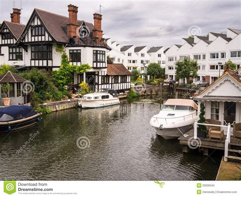Luxury Estate Plans luxury river thames houses stock photo image of river