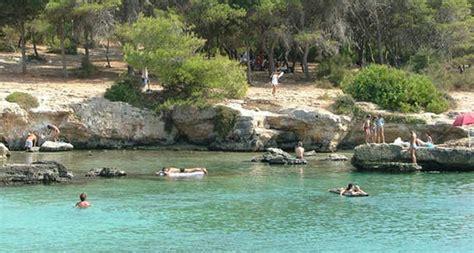 spiaggia porto selvaggio salento 5 spiagge salento che non puoi proprio perderti
