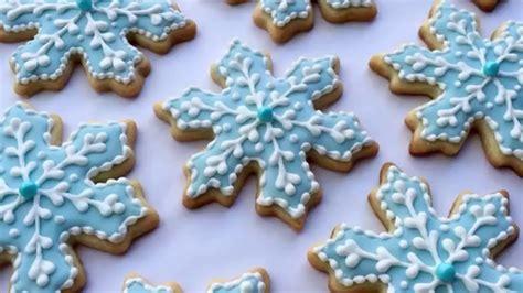 como decorar un pastel con glaseado c 243 mo decorar galletas de copos de nieve youtube