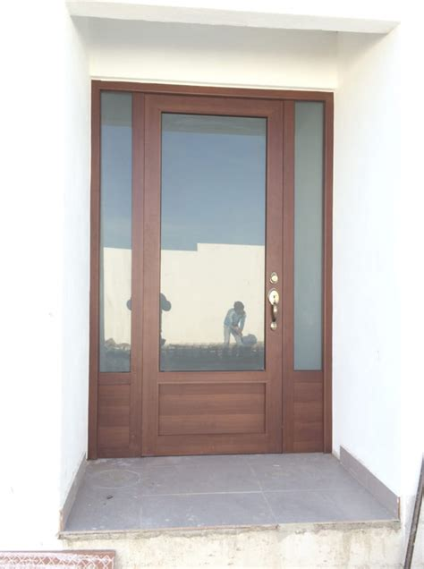 Puertas Exteriores De Aluminio #4: PUERTA-DE-ALUMINIO-COLOR-CAFE-MARCO-GRANDE-762x1024.png
