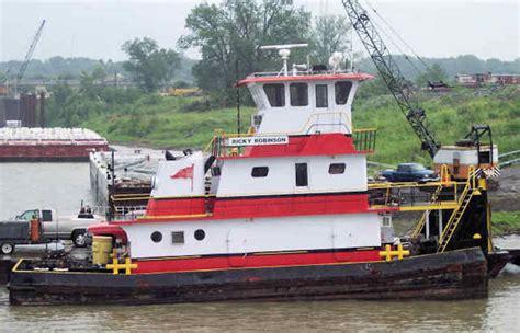 york river boat sinks two people missing after tug sinks on mississippi river