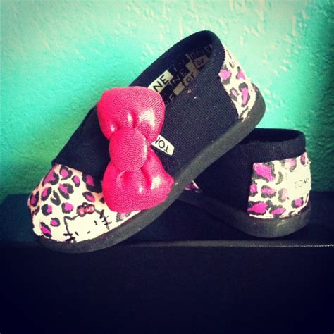 Girls Kitty And Toms On - 128 best hello kitty diy more images on pinterest