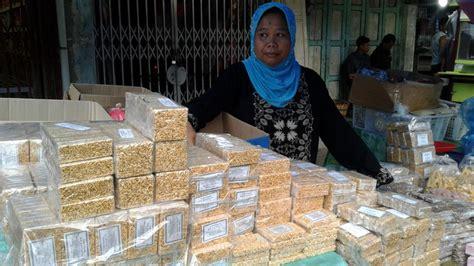 Kipang Mandailing food story kipang panyambungan legit renyah olahan beras ketan oleh oleh khas mandailing natal