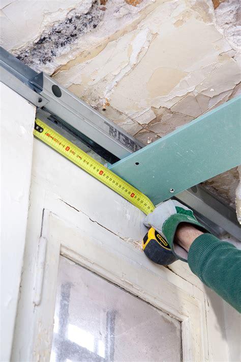 Installer Faux Plafond by Installer Un Faux Plafond Diy Family