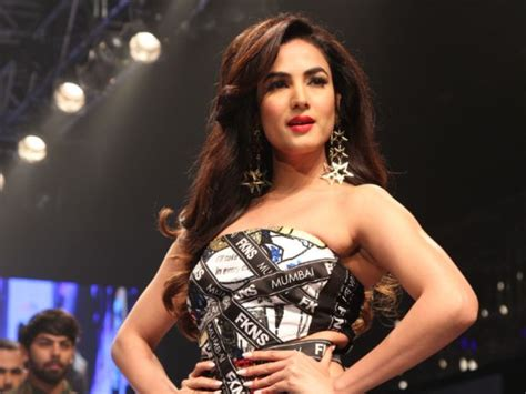 sonal chauhan skin care sonal chauhan quirky dress at delhi times fashion week