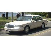1997 LINCOLN TOWN CAR  Image 9