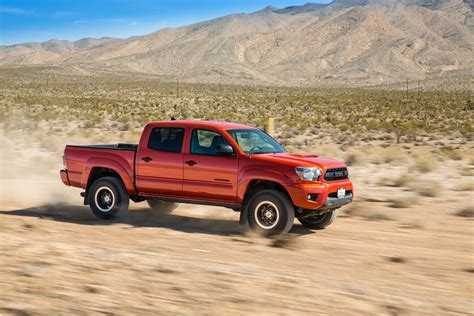 2015 toyota tacoma trd pro side in motion 03 photo 83