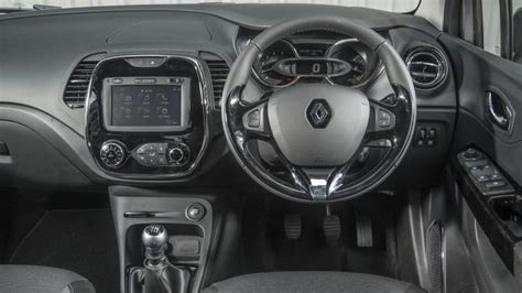renault captur white interior renault captur suv interior dashboard satnav carbuyer