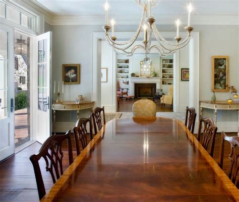 How To Choose A Chandelier For Your Dining Room Dining Room Chandeliers Traditional