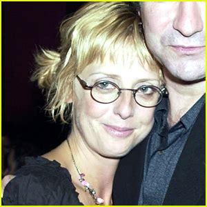 actress emma dead emma chambers dead notting hill actress dies at 53