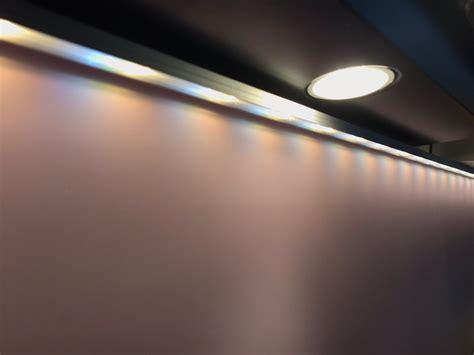 Stripe Viel ausprobiert alu profilschienen f 252 r die philips hue lightstrips hueblog de
