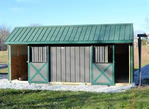 how to build horse barn