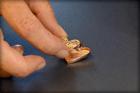 how to make clear resin jewelry resin jewelry tutorials style guru fashion