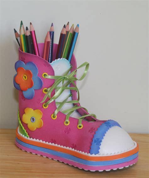 decorar zapatos con marcadores foamyideas minnie fofucha y portalapiz zapato