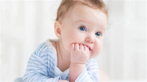 bis wann ändert sich die augenfarbe beim baby haben alle babys blaue augen augenfarbe bei babys
