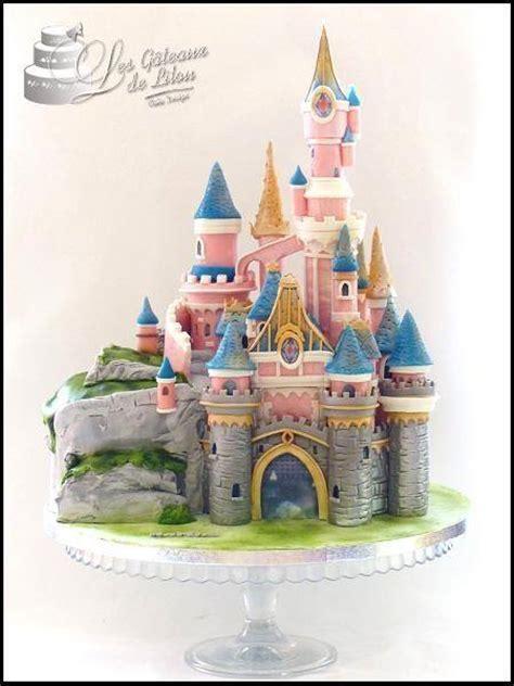 Gâteau Château DisneyLand Paris   LES GATEAUX DE LILOU Cake Design