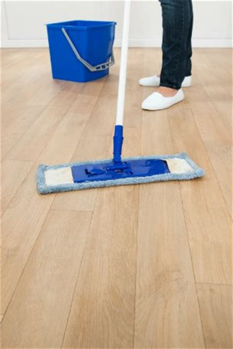 What To Mop Hardwood Floors With by How To Mop A Floor The Right Way Bob Vila