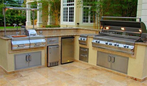 outdoor wet bar custom outdoor kitchen with raised wet bar tropical