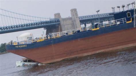 duck boat video reddit tour boat calls before crash went unanswered cnn