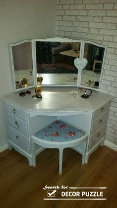 contemporary design corner bedroom vanity small with ideas 1000 images about corner dressing table on pinterest