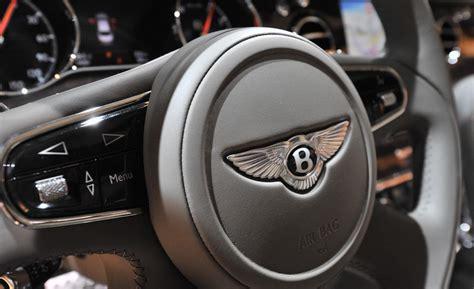 bentley steering wheel car and driver