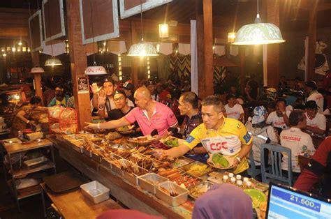 limakaki  wisata kuliner malam hari  kota solo