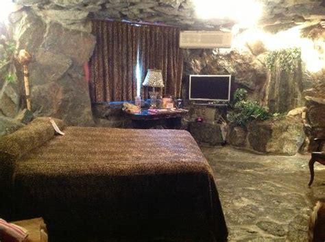 caveman room caveman room waterfall in room picture of madonna inn san luis obispo tripadvisor