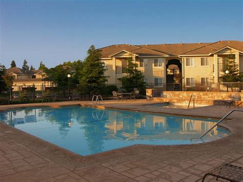 photos and video of village terrace in merced ca
