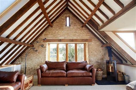 soffitti con travi soffitti con travi in legno travi in finto legno with