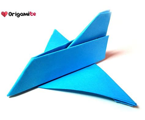 How To Make An Easy Paper Airplane That Flies Far - best 25 origami airplane ideas on origami