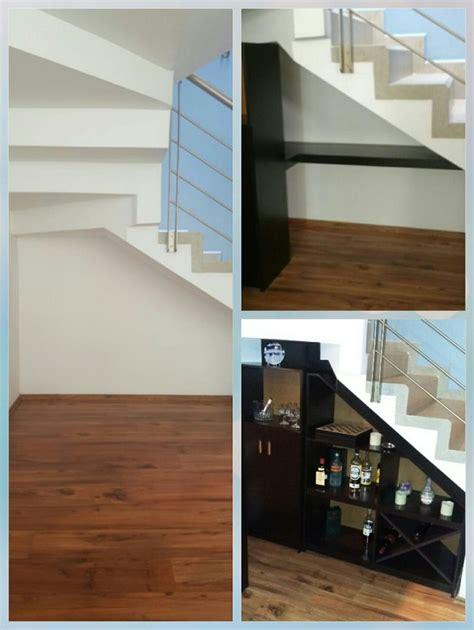 armarios y estanterias para baños 17 mejores ideas sobre estantes bajo las escaleras en
