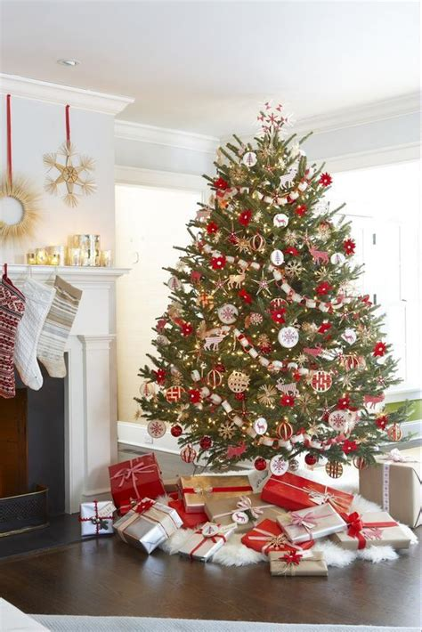 2017 christmas trends 22 best trends to decorate your christmas tree 2017 2018