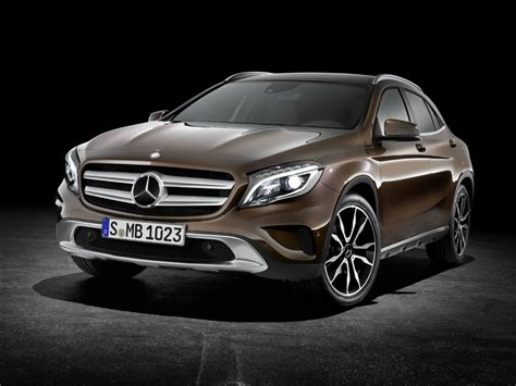 first mercedes first mercedes benz gla x156 rolls off the production