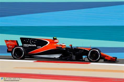 mclaren f1 2017 stoffel vandoorne mclaren bahrain international circuit