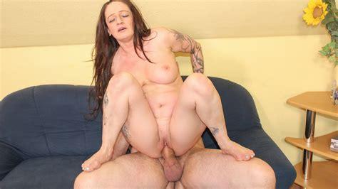 Reife Swinger Horny Tattooed German Mature Adrienne Kiss