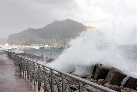 il vento nord testo allerta meteo in sicilia ancora maltempo con neve e vento