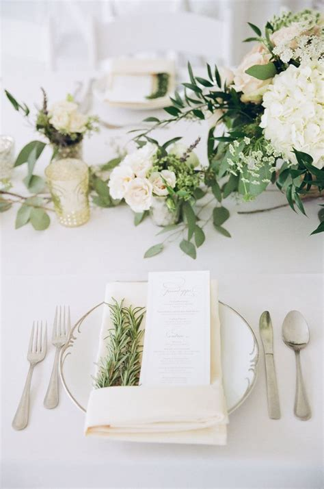 Flower Settings For Weddings by Best 25 Table Place Settings Ideas On Table