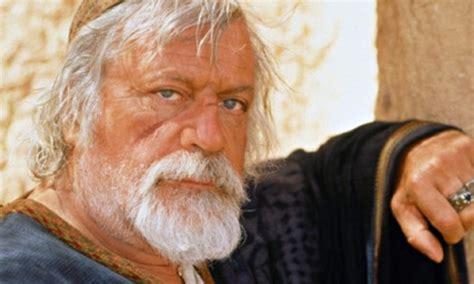 film gladiator oliver reed at last it s star wars creativity strikes back ryan