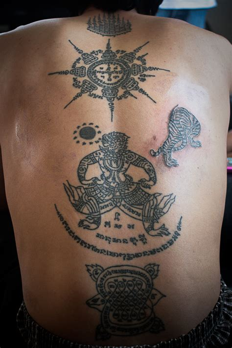 thai tattoos thai yantra on thai sak yant