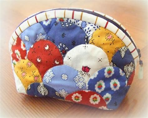 Clamshell Patchwork - every stitch clamshell capers