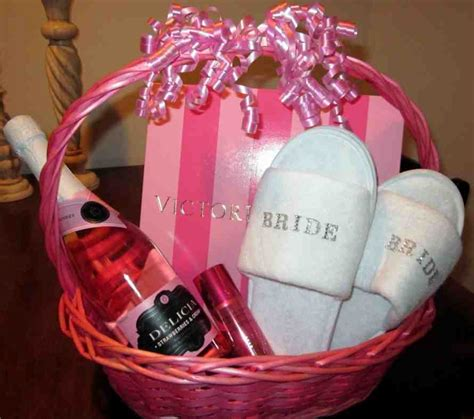Shower Gift Wedding by Wedding Shower Gift Ideas For Wedding And Bridal