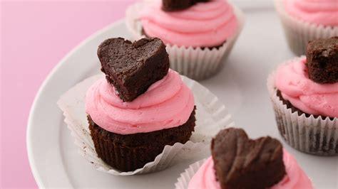 cupcakes de martha stewart 8426140807 video chocolate brownie heart cupcakes martha stewart