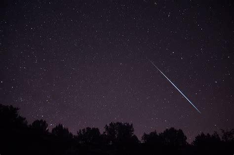 Meteorite Shower August by August 2014 Perseids Meteor Shower Set For Moonlit Uk