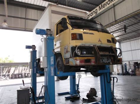 Perbaikan Kaca Spion Mobil perbaikan truk mitsubishi
