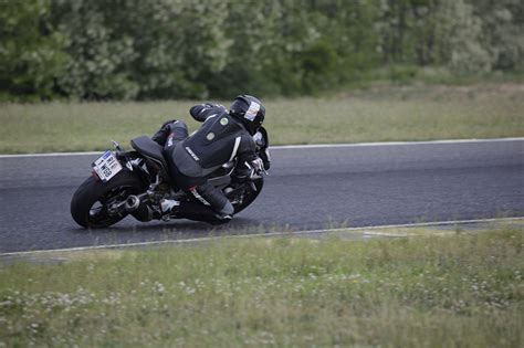 Motorrad H Ndler Klagenfurt by Aprilia Tuono V4 1100 Rr