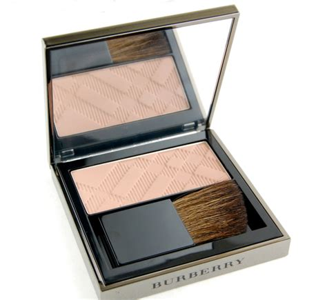 burberry light glow in dark earthy no 11 burberry fotd quattuor complete eye palette in pink taupe