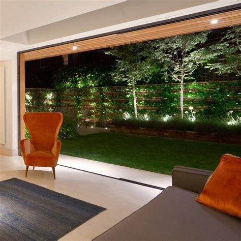 beleuchtung balkongeländer 220 ber 1 000 ideen zu zaun beleuchtung auf
