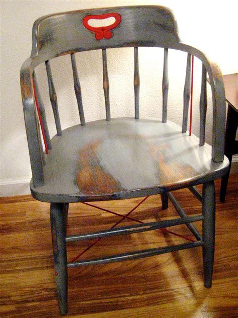 comment peindre une chaise avec un look ancien patin 233